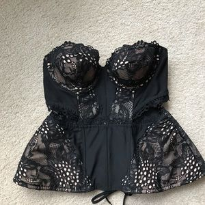 NWT Victoria's Secret Black Lace peplum corset 34C